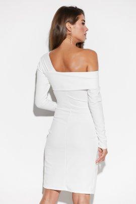 Платье с асимметричным верхом