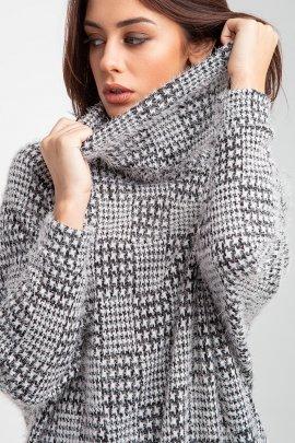 Об'ємний светр