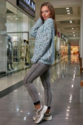 Пухнастий светр