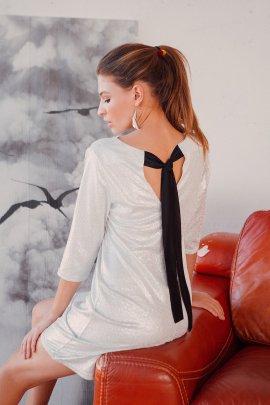 Коктейльное платье трапеция с блеском