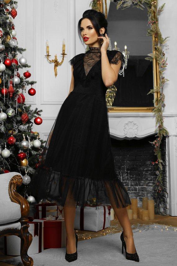 Розкішна вечірня сукня