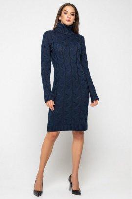 Короткое вязаное платье с воротом