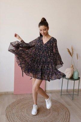 Легка сукня з квітковим принтом