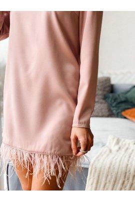 Коктейльна сукня з страусиним пір'ям