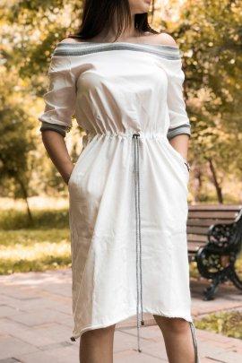 Спортивна сукня з выдкритими плечима
